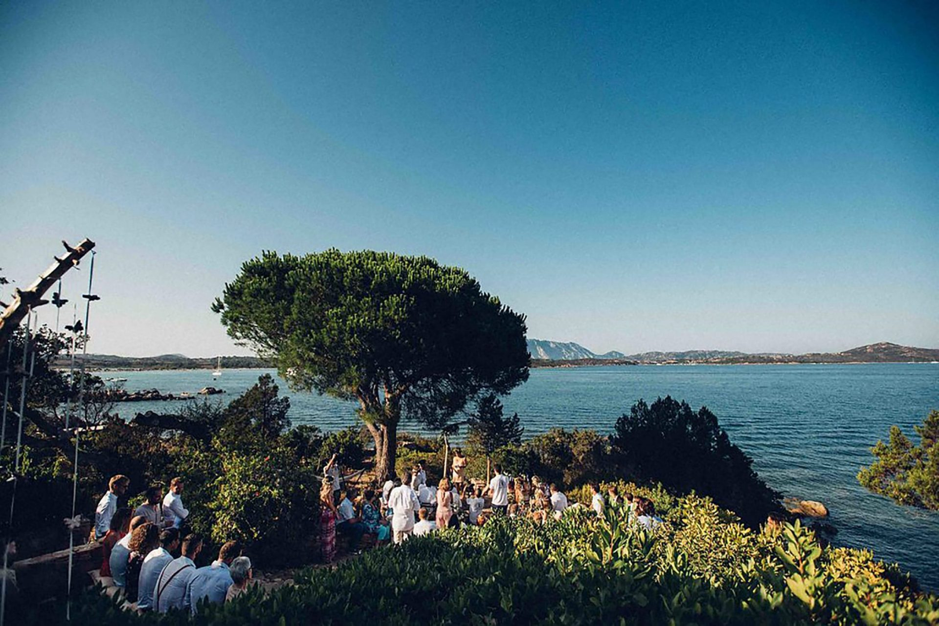 Aurelie and Thomas, wedding ceremony by the beach