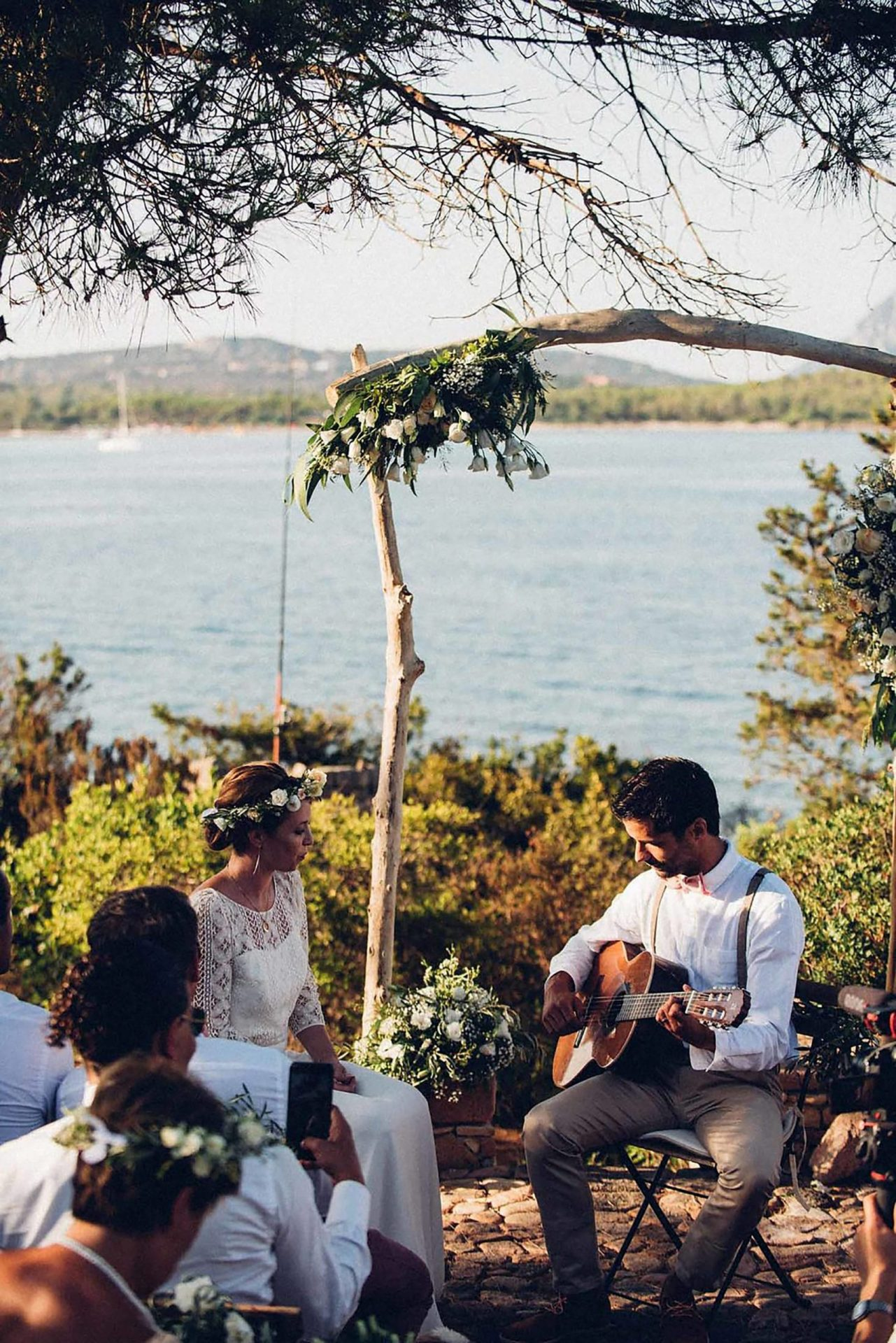 Aurelie and Thomas, wedding ceremony, the groom serenade