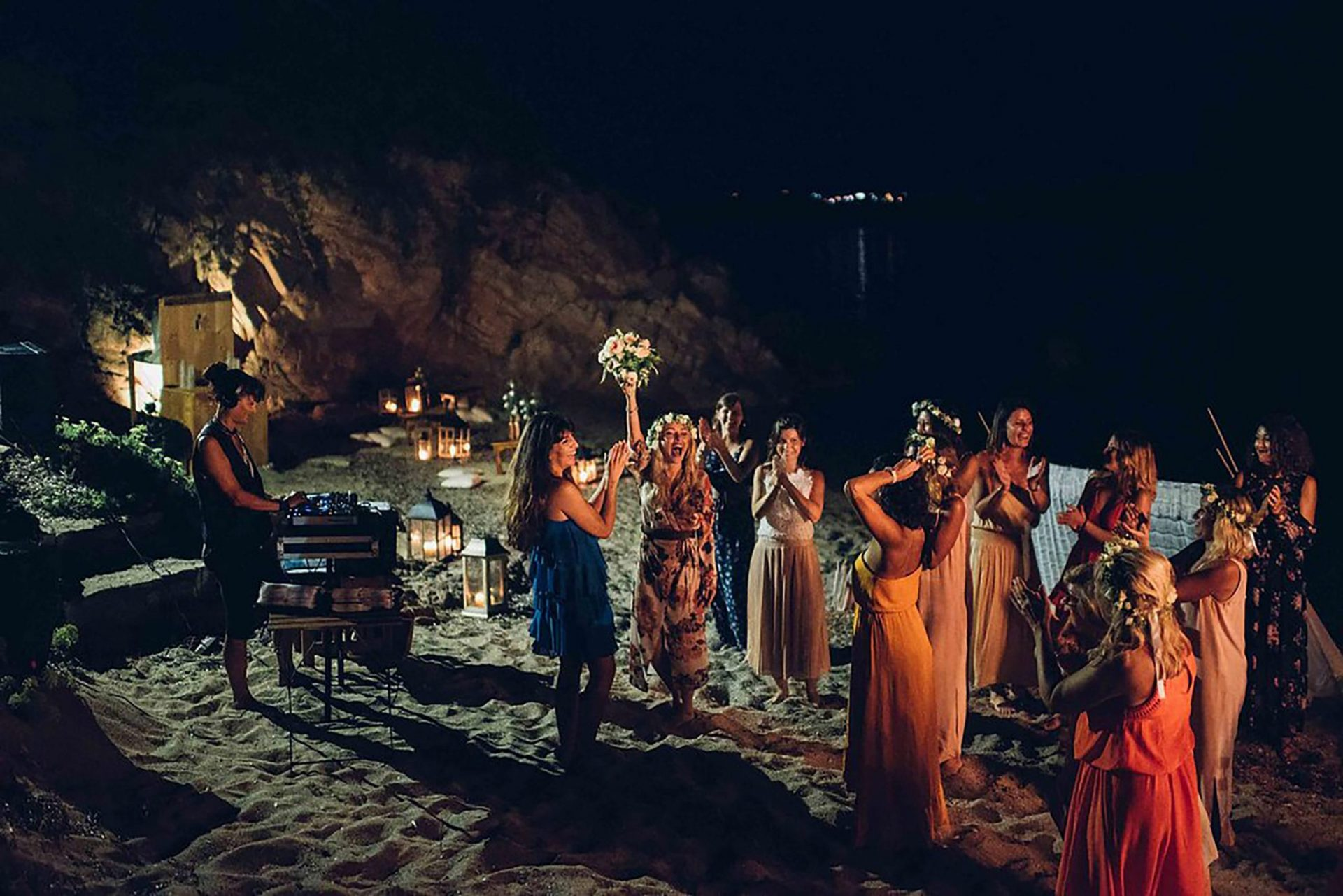 Aurelie and Thomas, wedding party on the beach