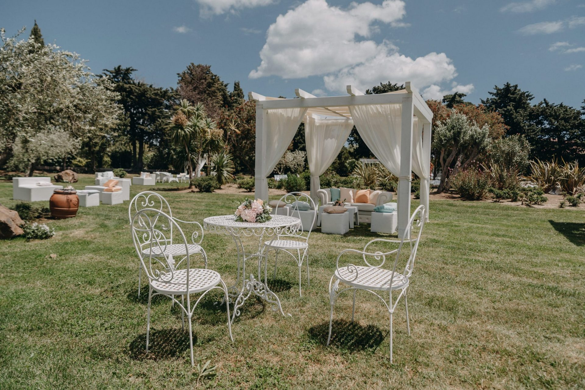Giacomo and Federica, wedding lounge area
