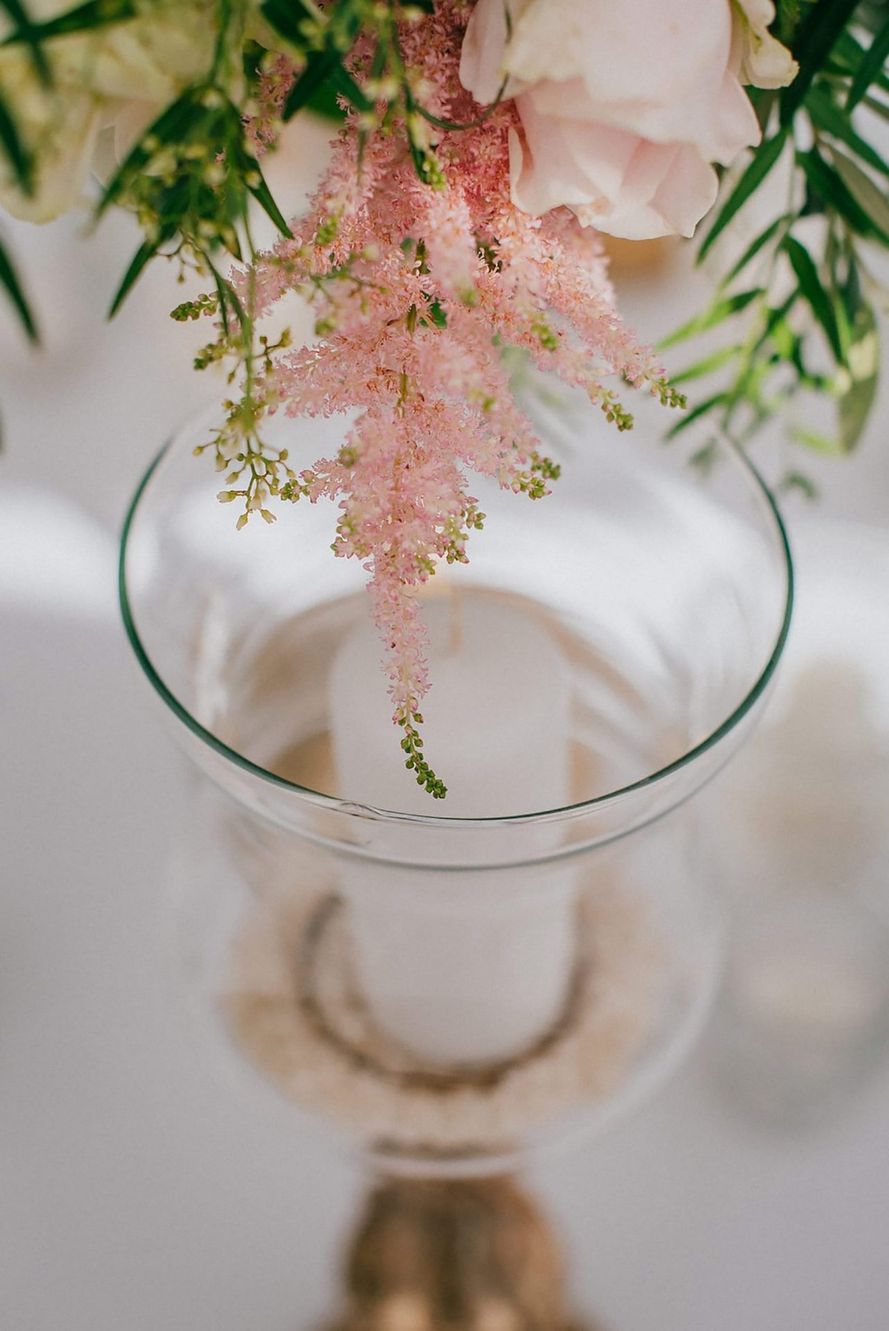 Ilaria e Giovanni, al fresco wedding, astilbe flower detail