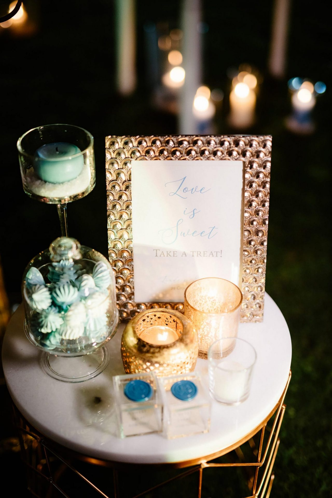Linda and Enrico, blue and gold wedding details