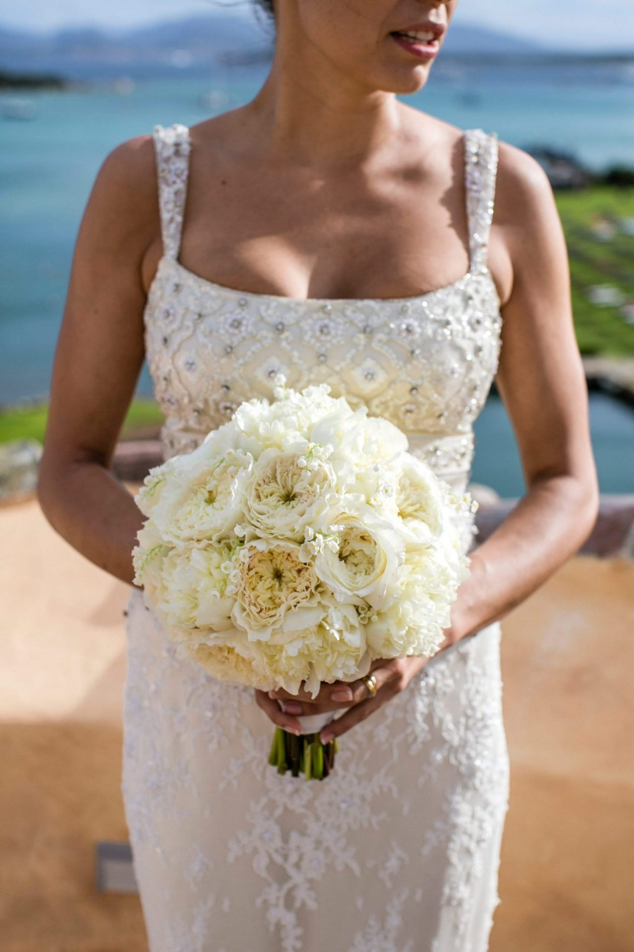 Lisa and Daniel, luxury wedding in Cala di Volpe, the brides bouquet
