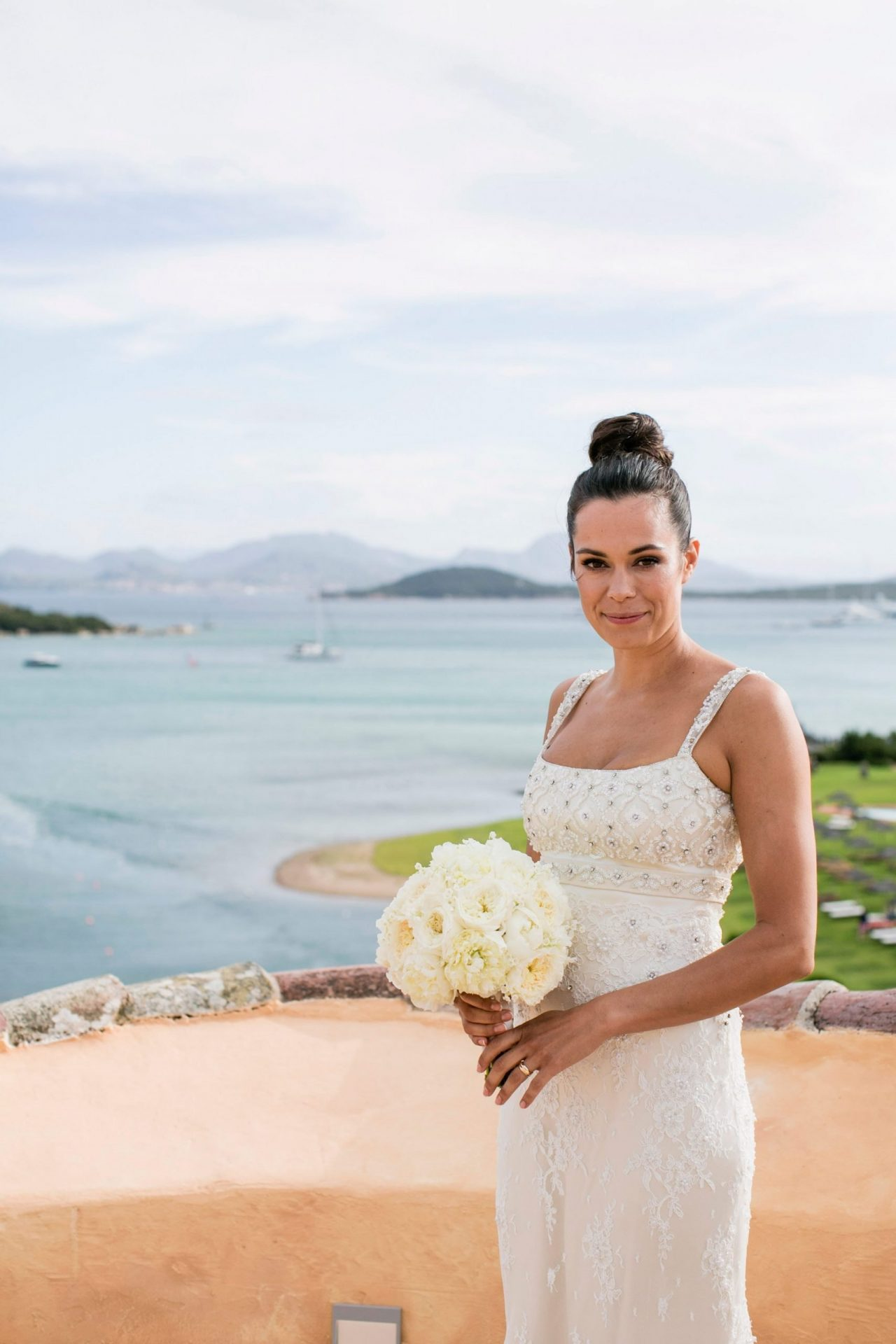 Lisa and Daniel, luxury wedding in Cala di Volpe, the bride