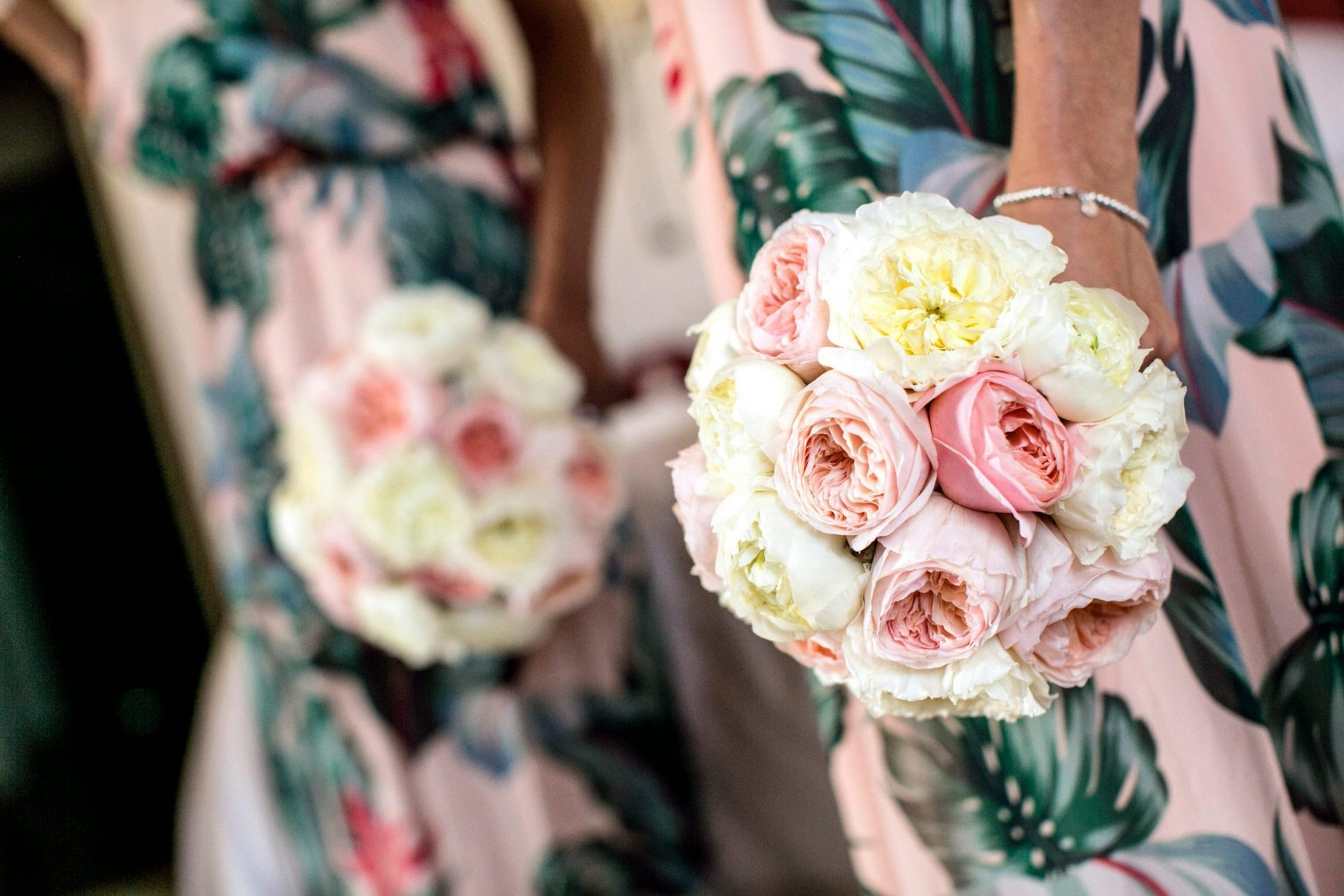 Lisa and Daniel, luxury wedding in Cala di Volpe, flower bouquet