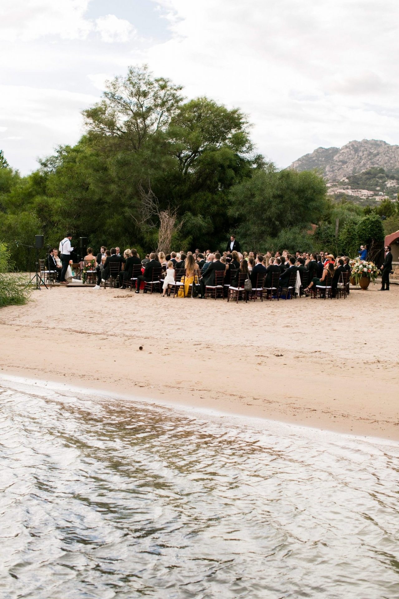 Lisa and Daniel, luxury wedding in Cala di Volpe, exclusive beach