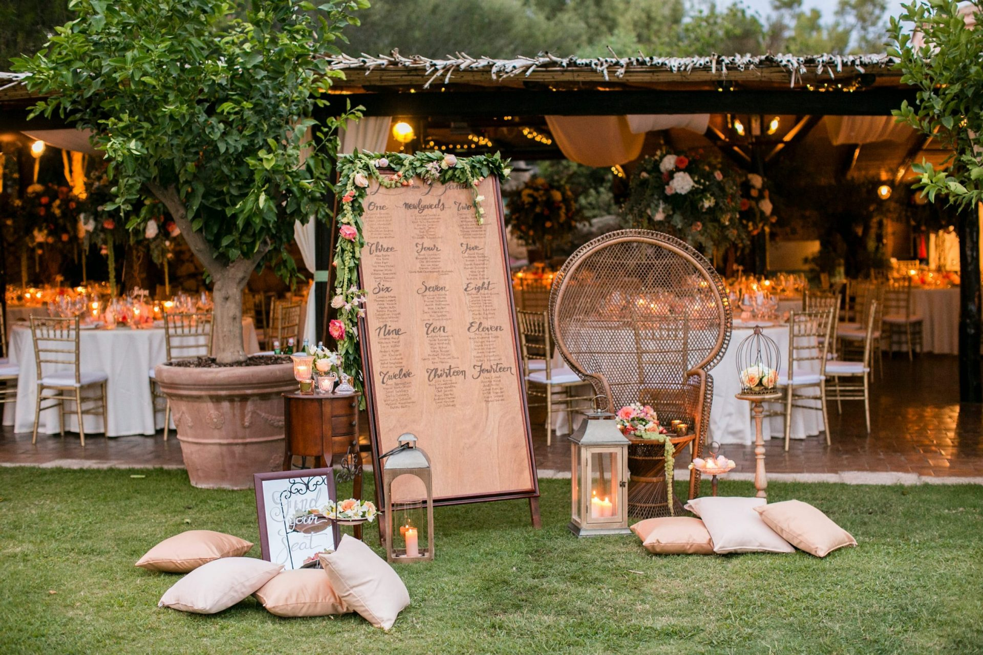 Lisa and Daniel, luxury wedding in Cala di Volpe, tableau set up