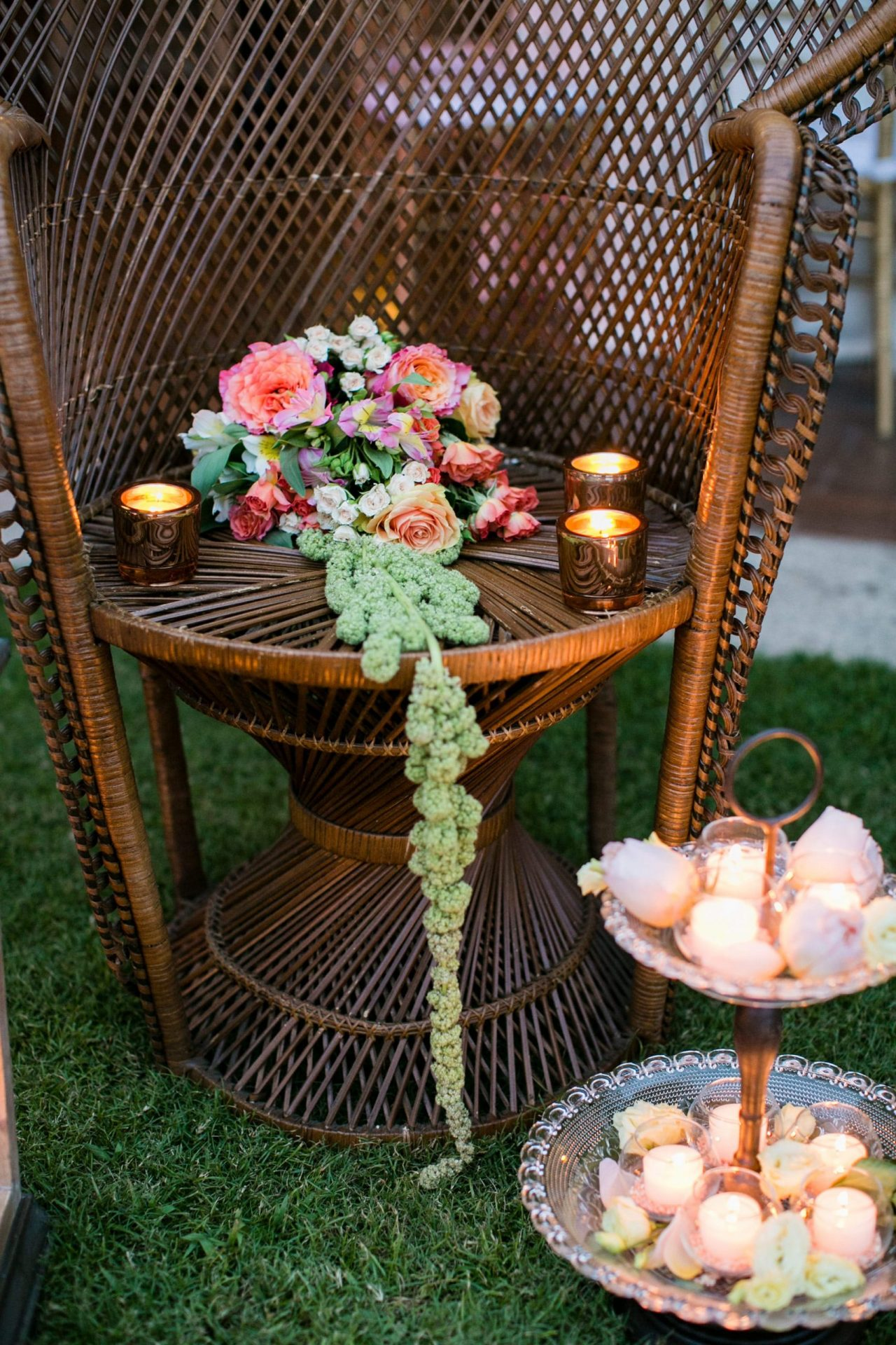 Lisa and Daniel, luxury wedding in Cala di Volpe, whimsical flower decoration