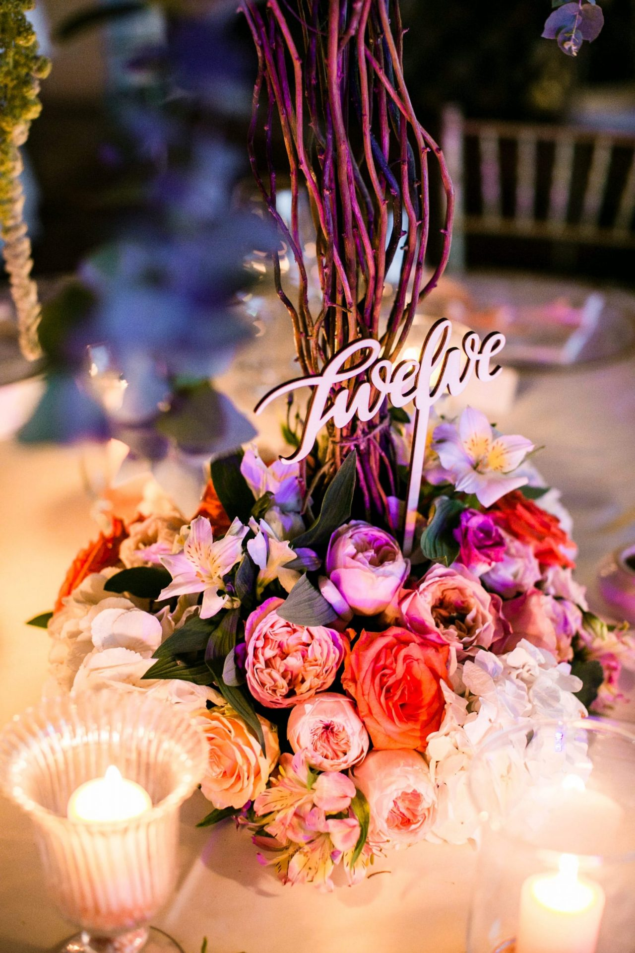 Lisa and Daniel, luxury wedding in Cala di Volpe, colourful table sign