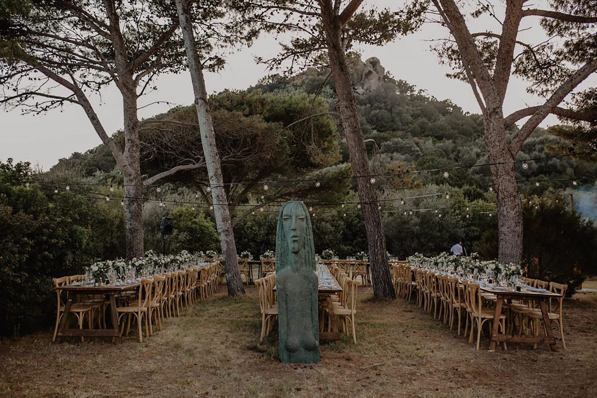 Luca and Delphine, wedding reception in the pine forest