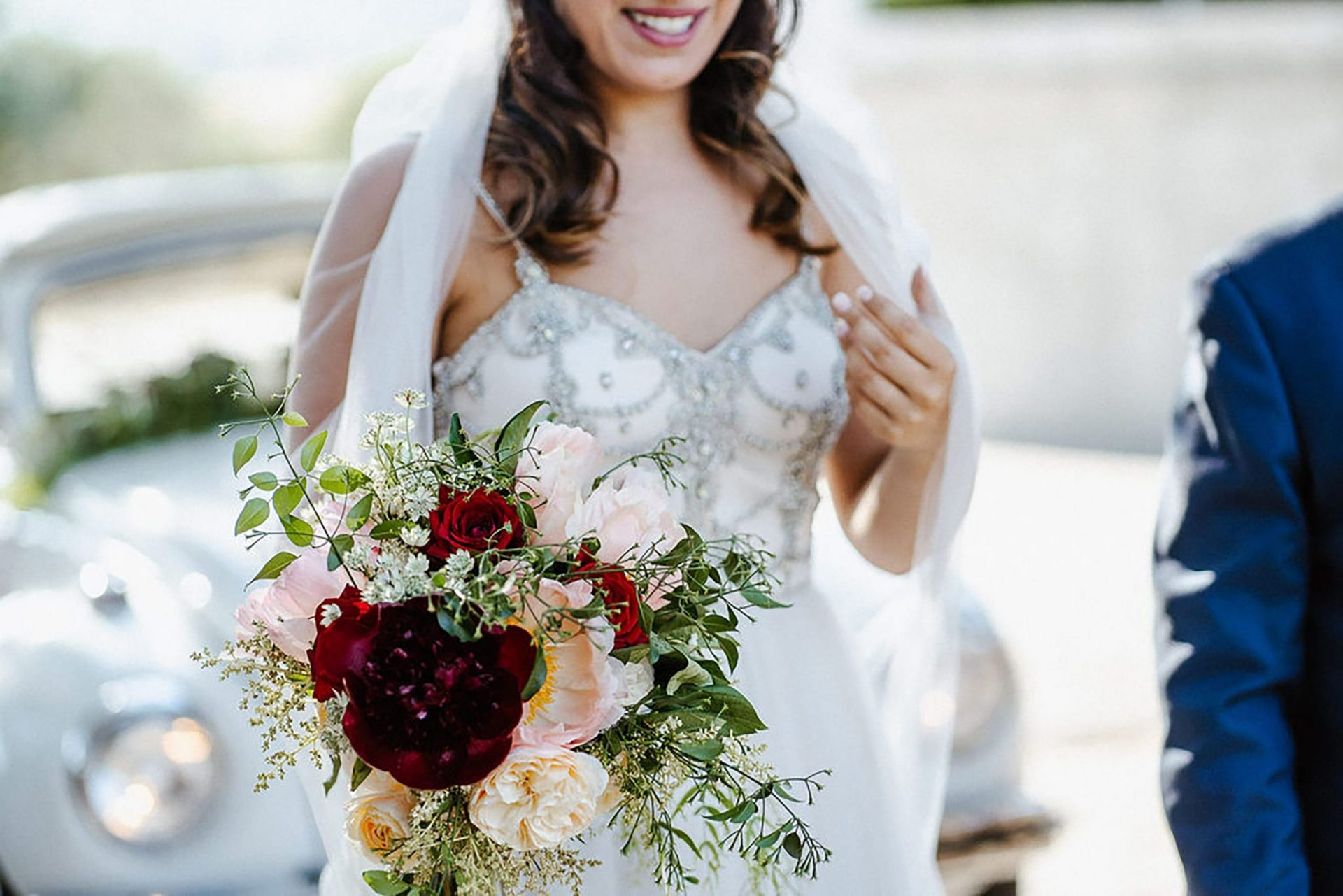 Marianna & Matteo, marsala and blush country bouquet