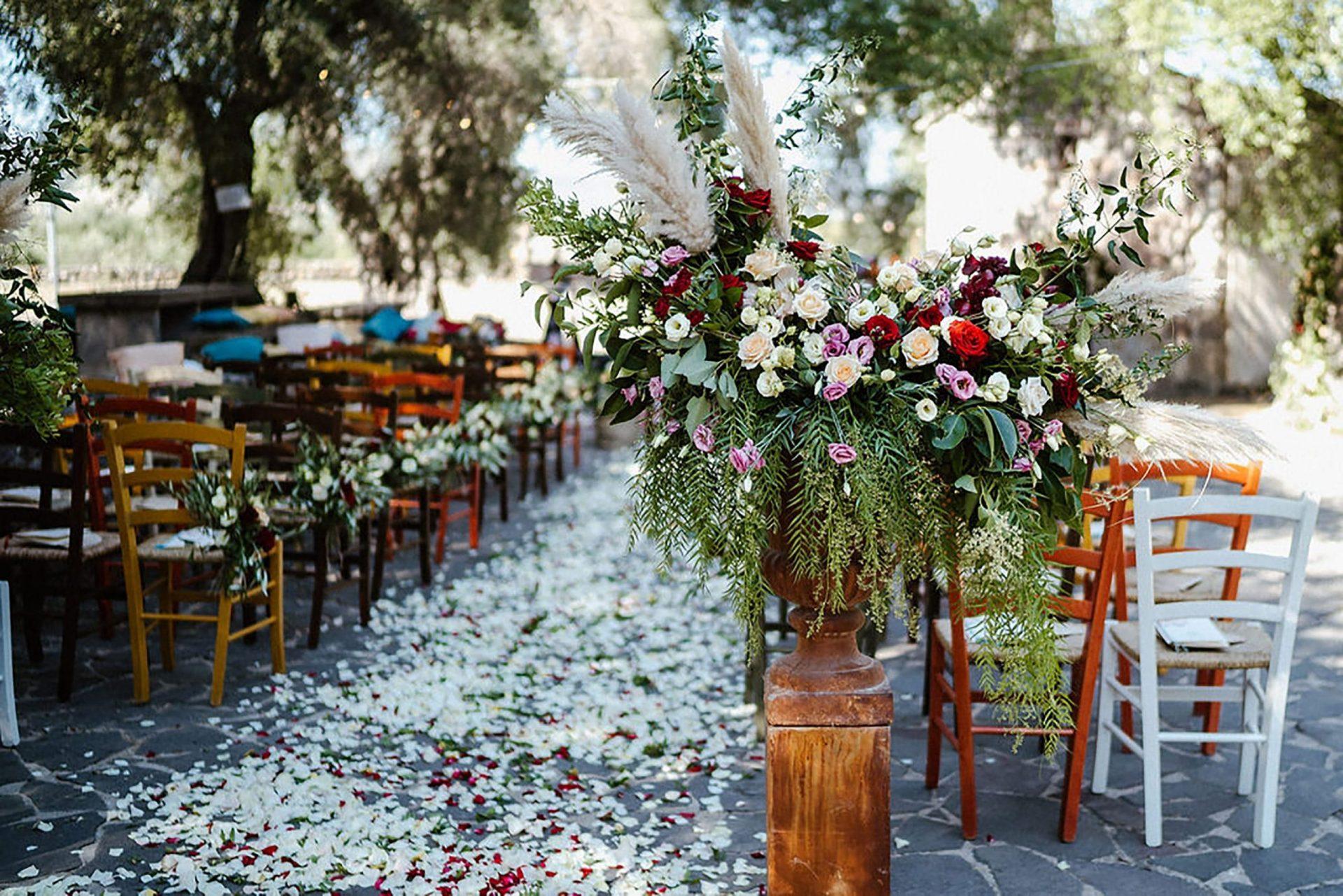 Marianna & Matteo, country inspired flower arrangements