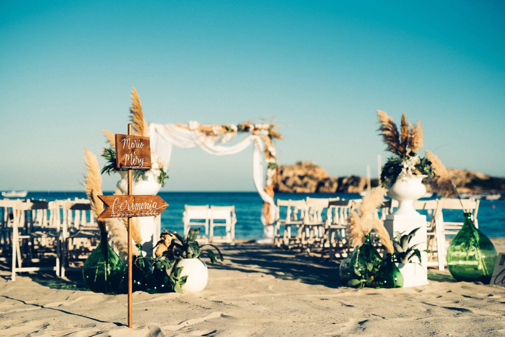 Mario and Mery, ceremony on the beach