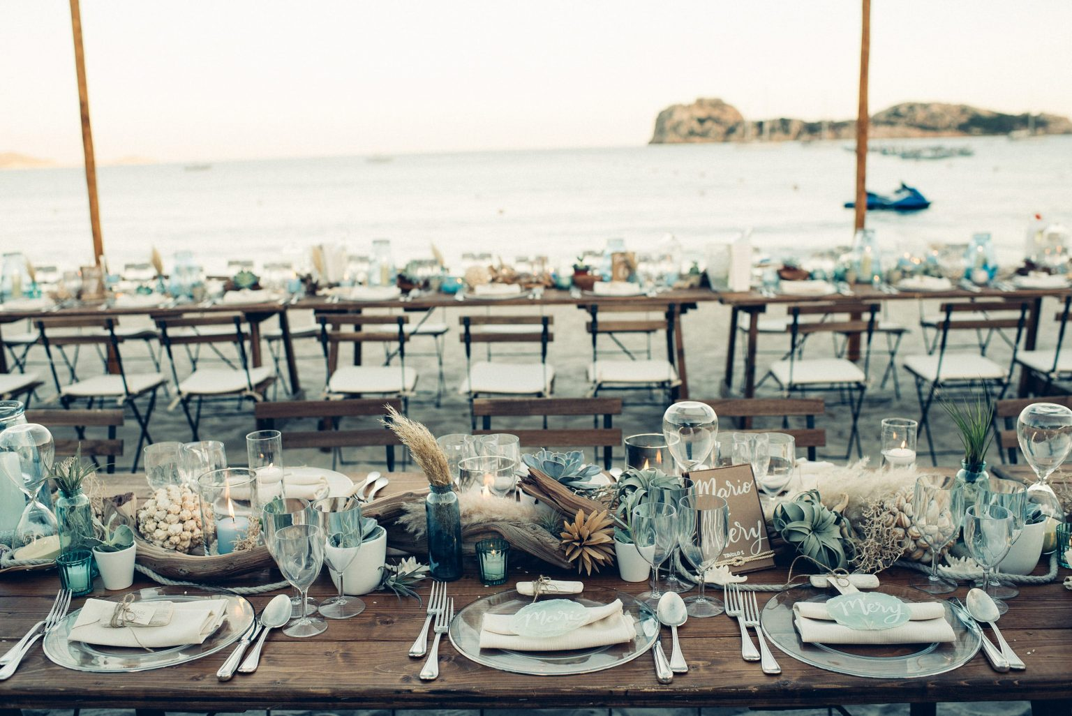 Mario and Mery, beach wedding table decor