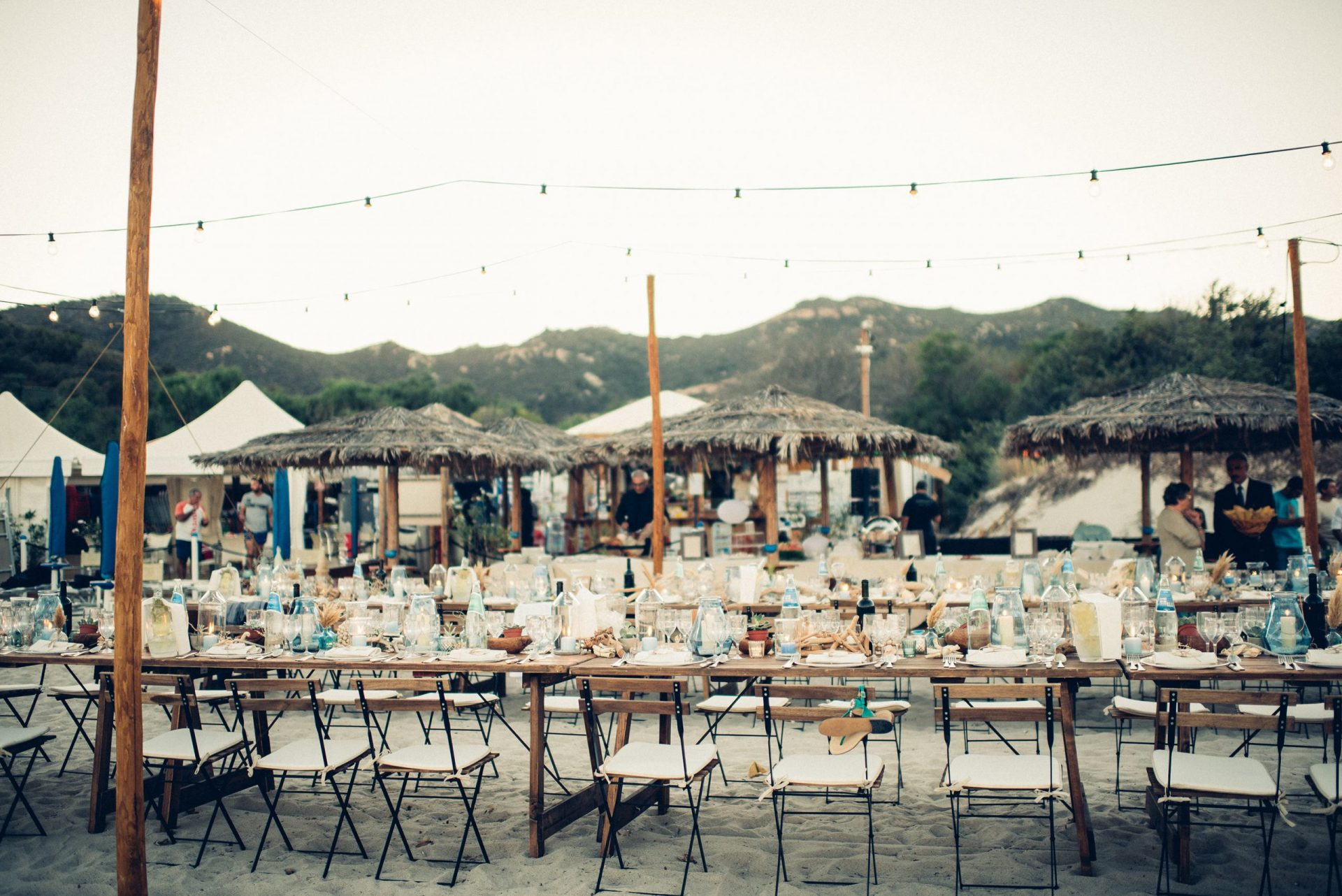 Mario and Mery, wedding long table on the beach