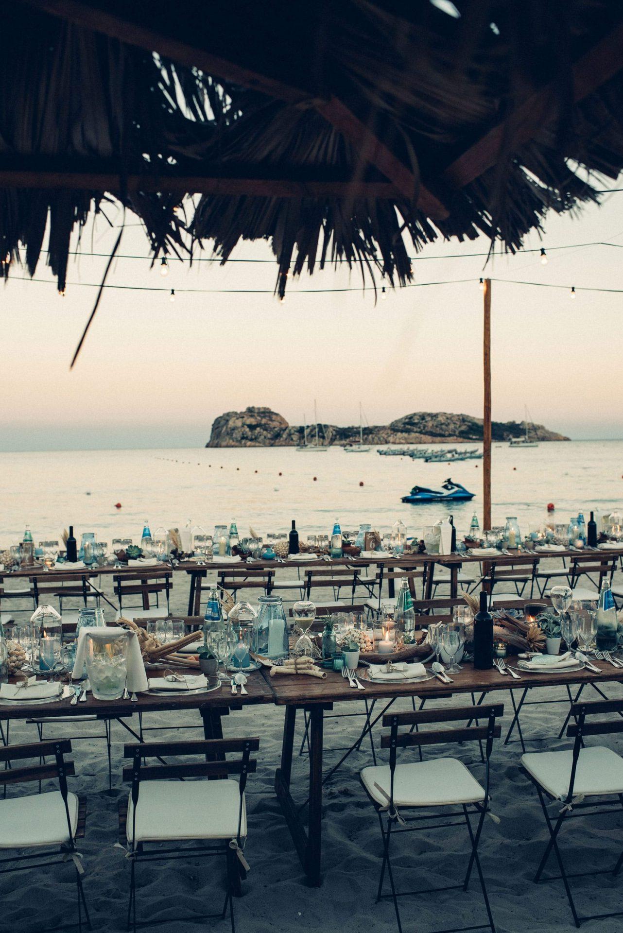 Mario and Mery, beach wedding long table