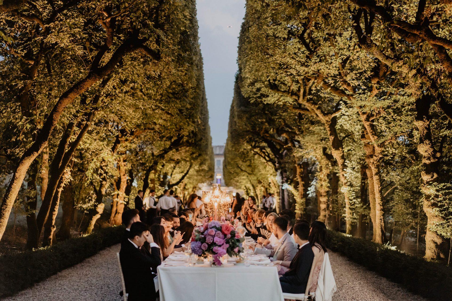 Ranya and Tarek, luxury wedding dinner, long imperial table