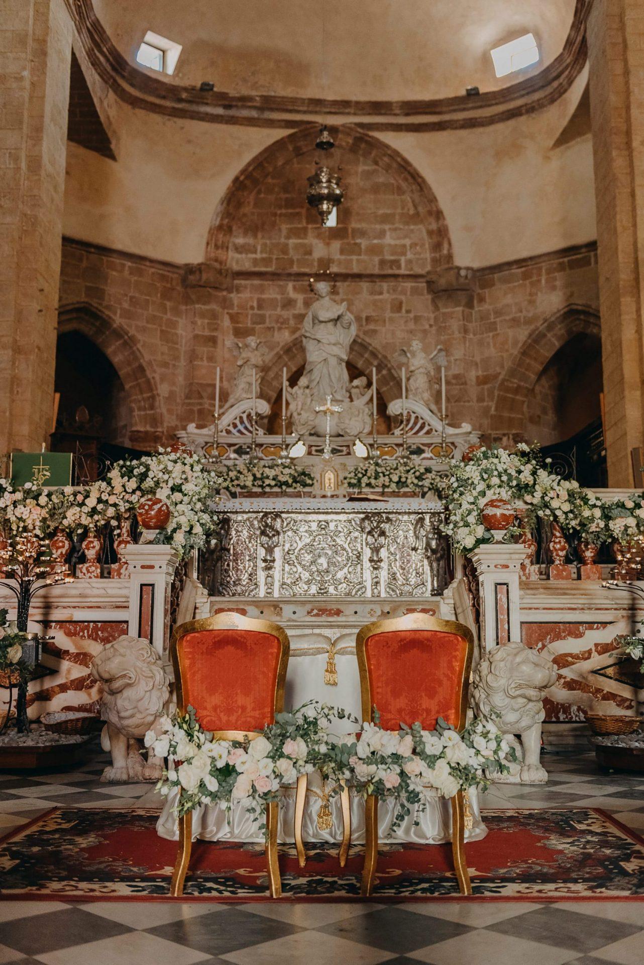 Simona and Elie, wedding ceremony, church altar decoration