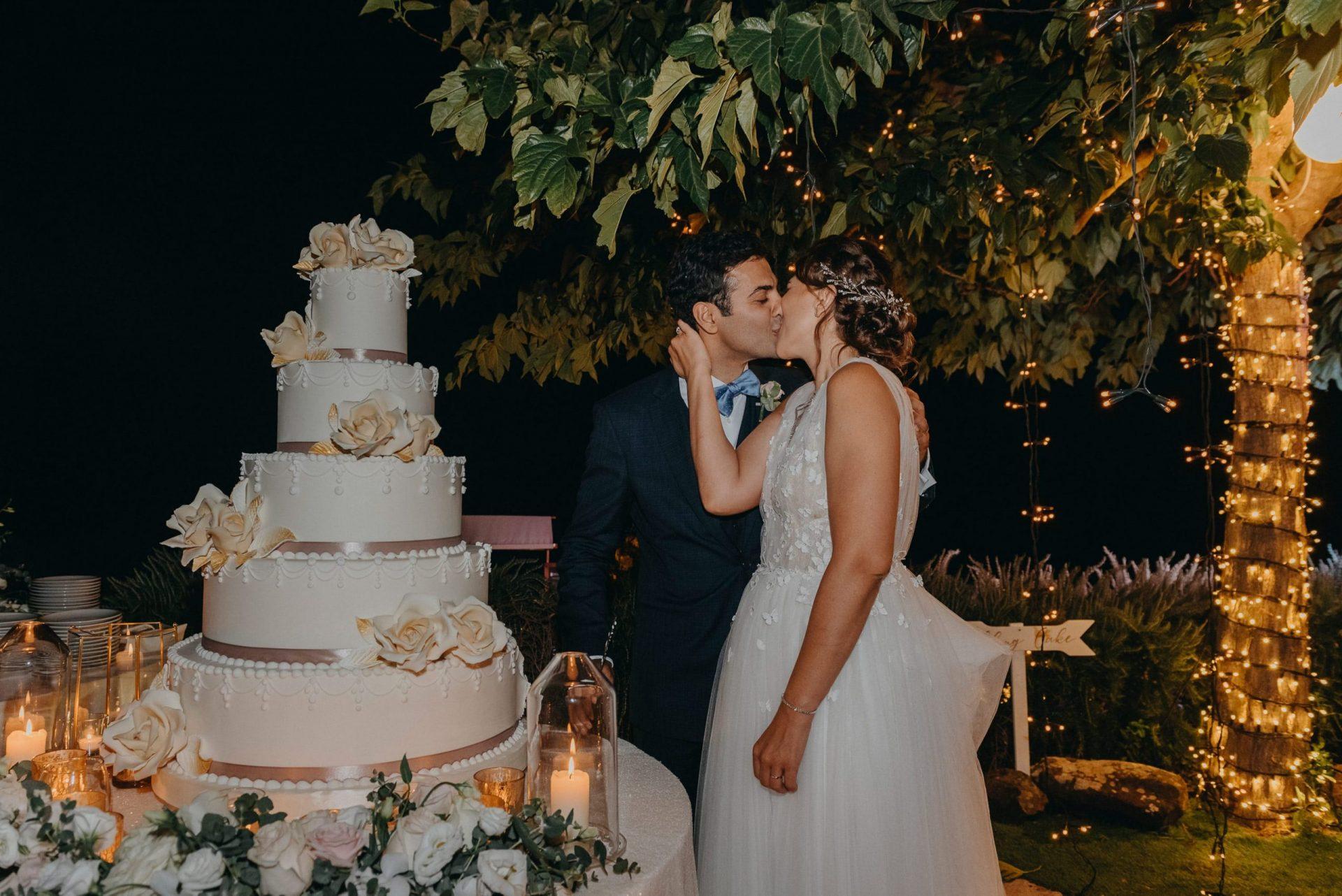 Simona and Elie, the wedding cake cut