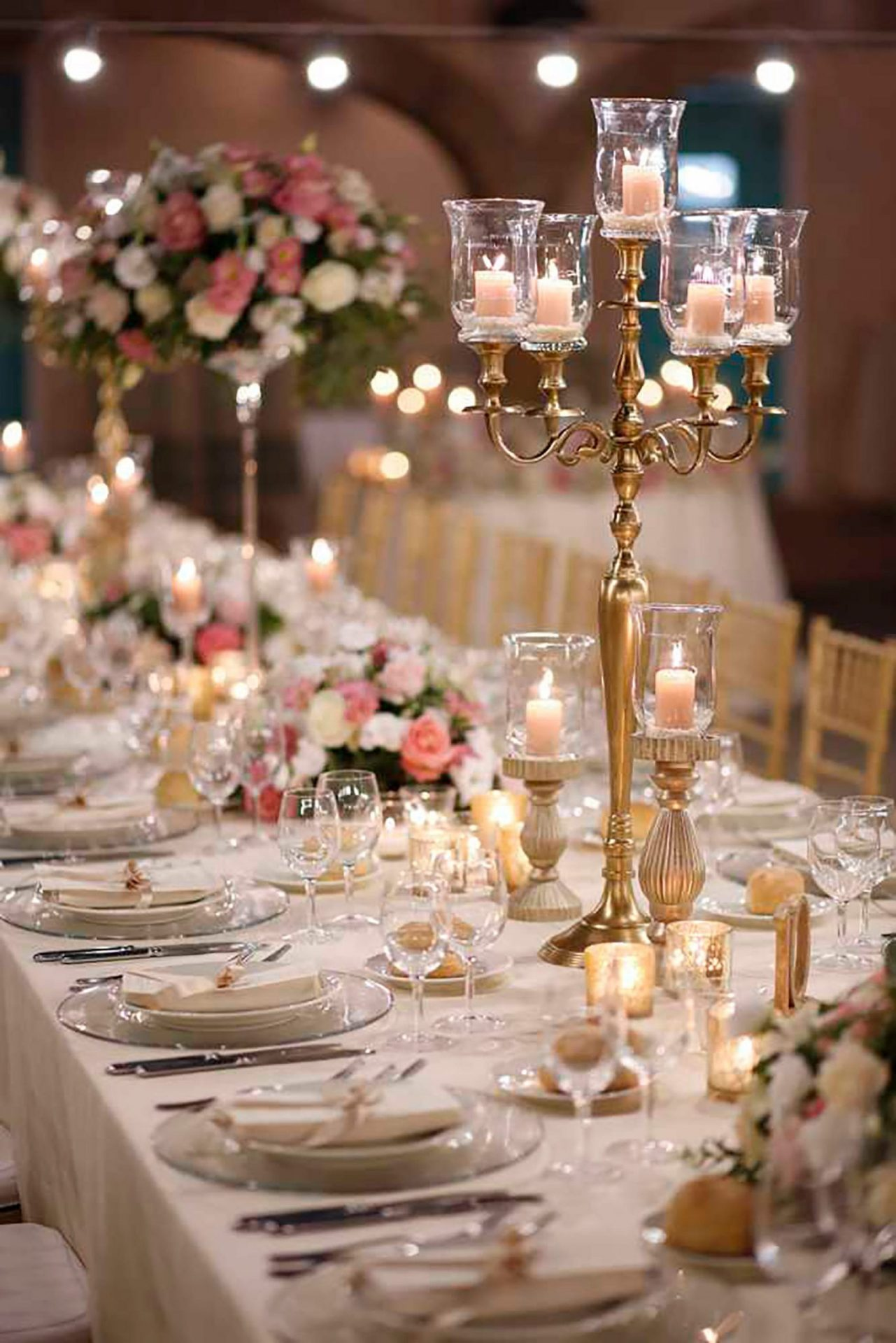 Simona and Giovanni, elegant table decor