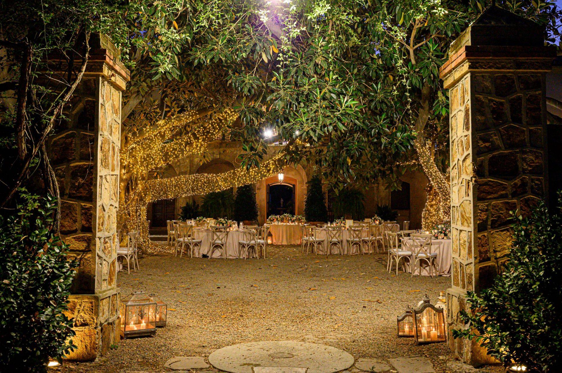 Federica and Stefano, historical villa in Cagliari, wedding reception