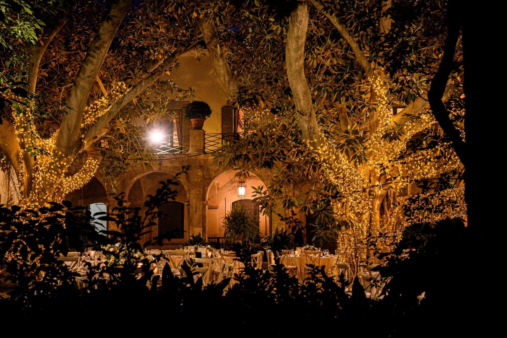 Federica and Stefano, historical villa in Cagliari, lighting design