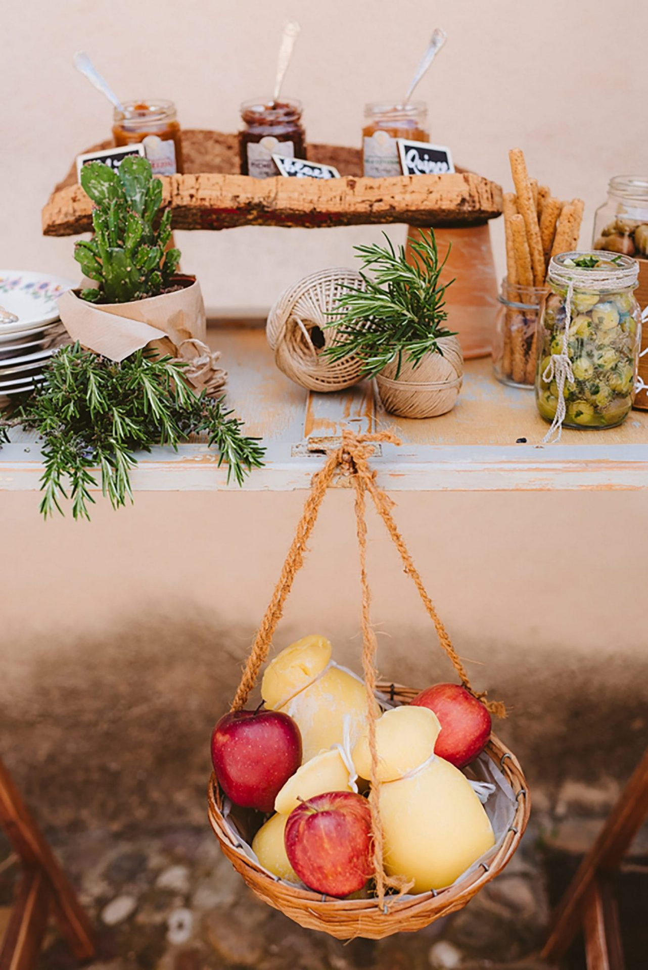 Elopement in traditional Italian village, food design
