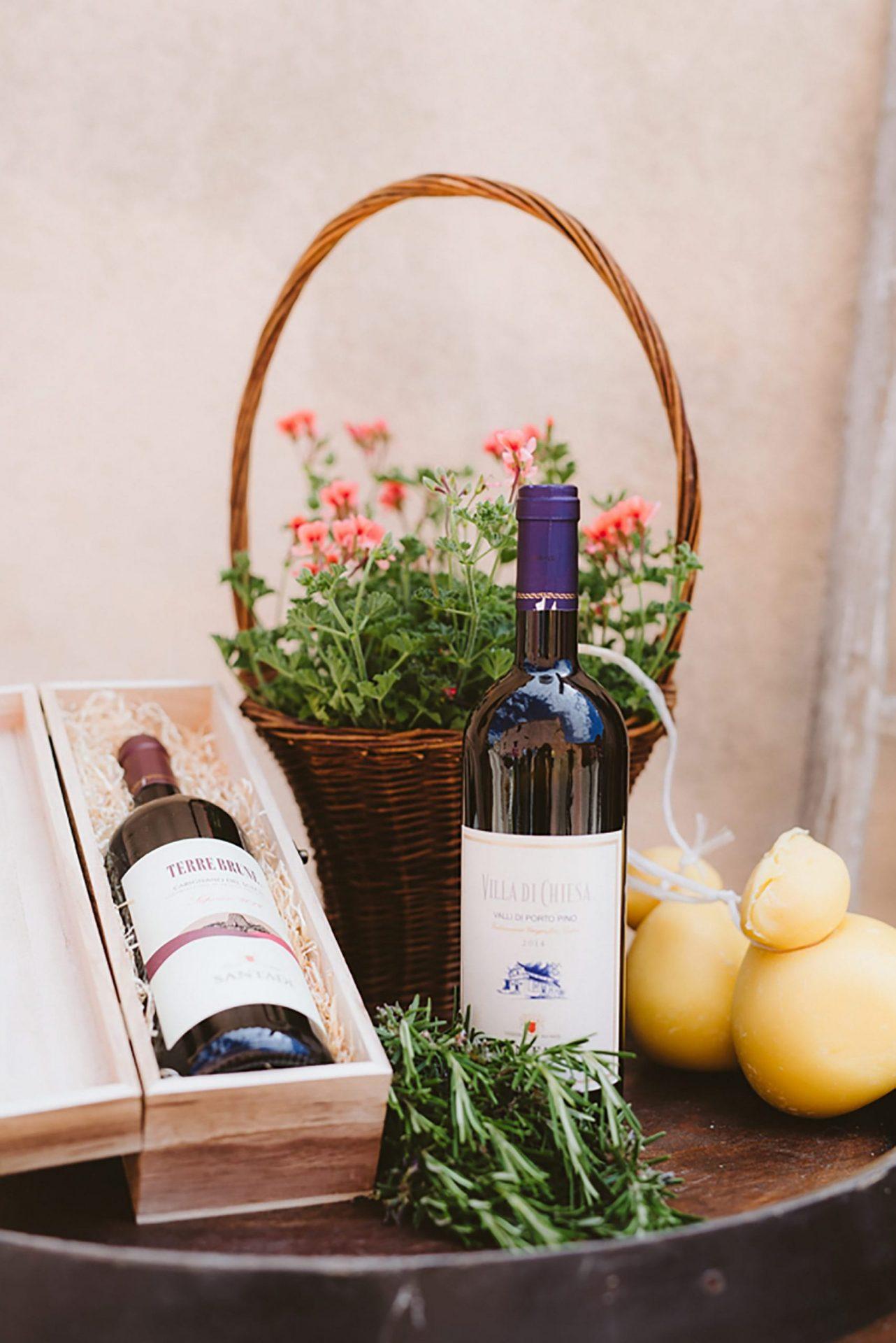 Elopement in Italian village, wine
