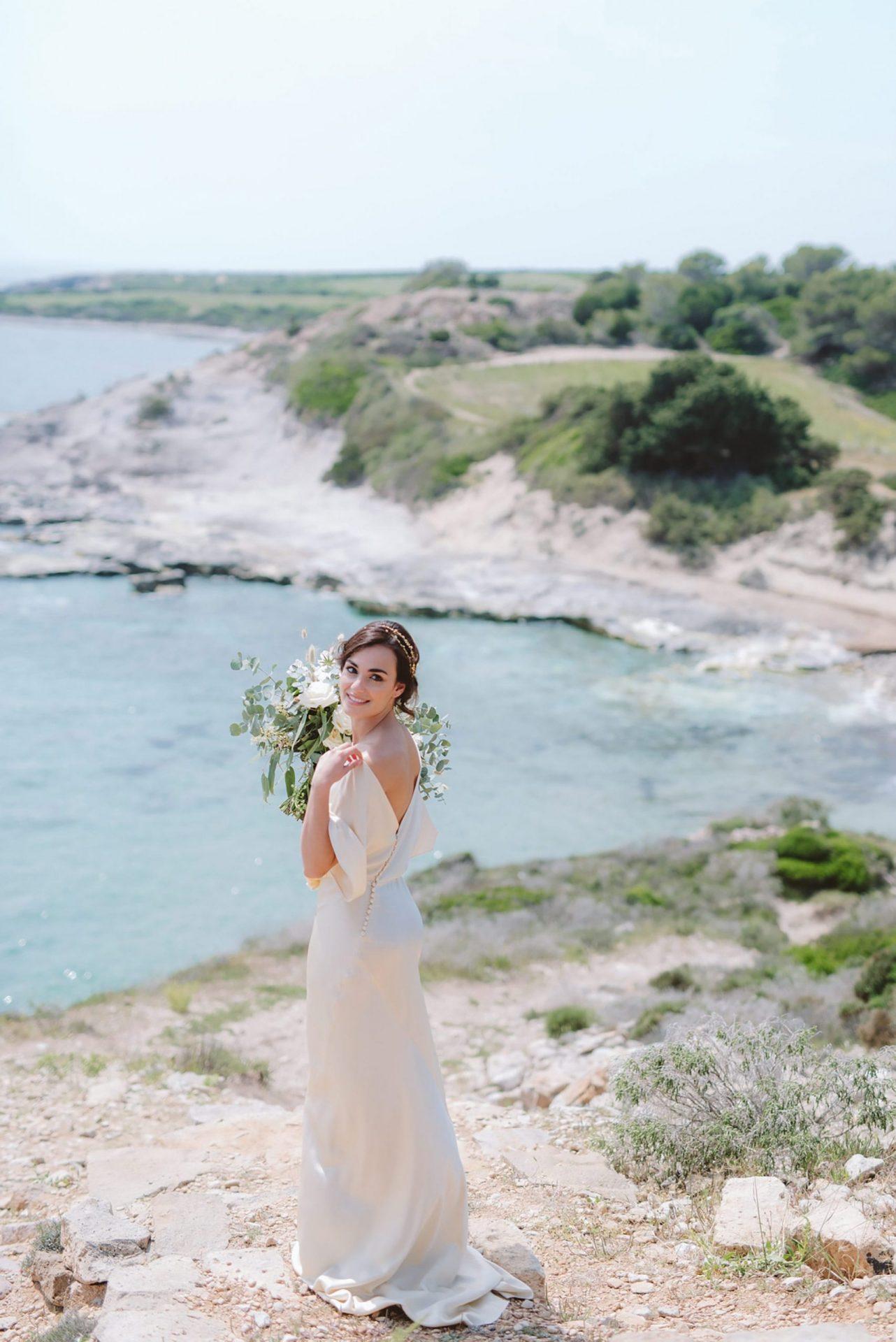 Elopement San Pietro Island, bride