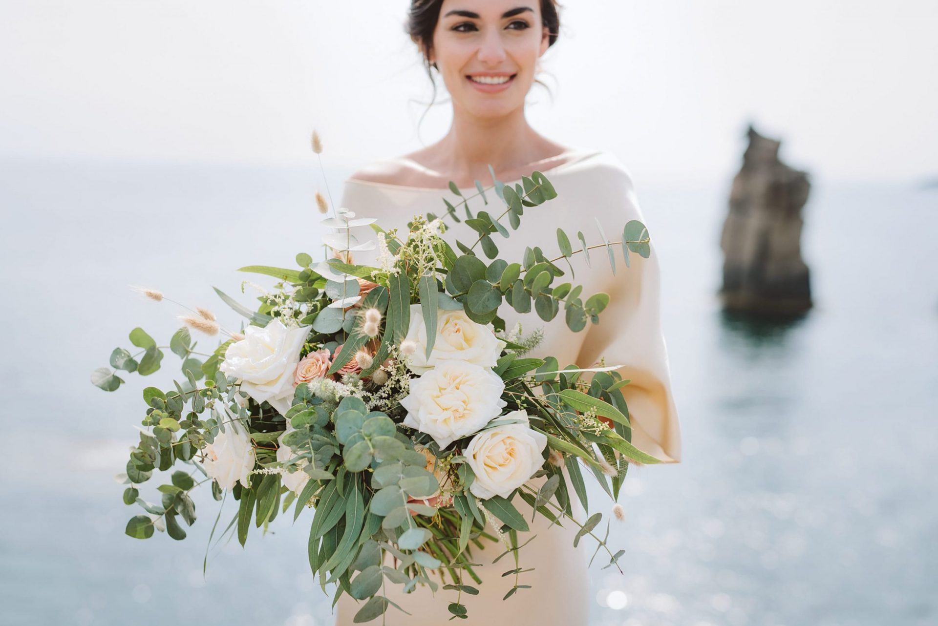 Elopement in San Pietro Island, bridal bouquet