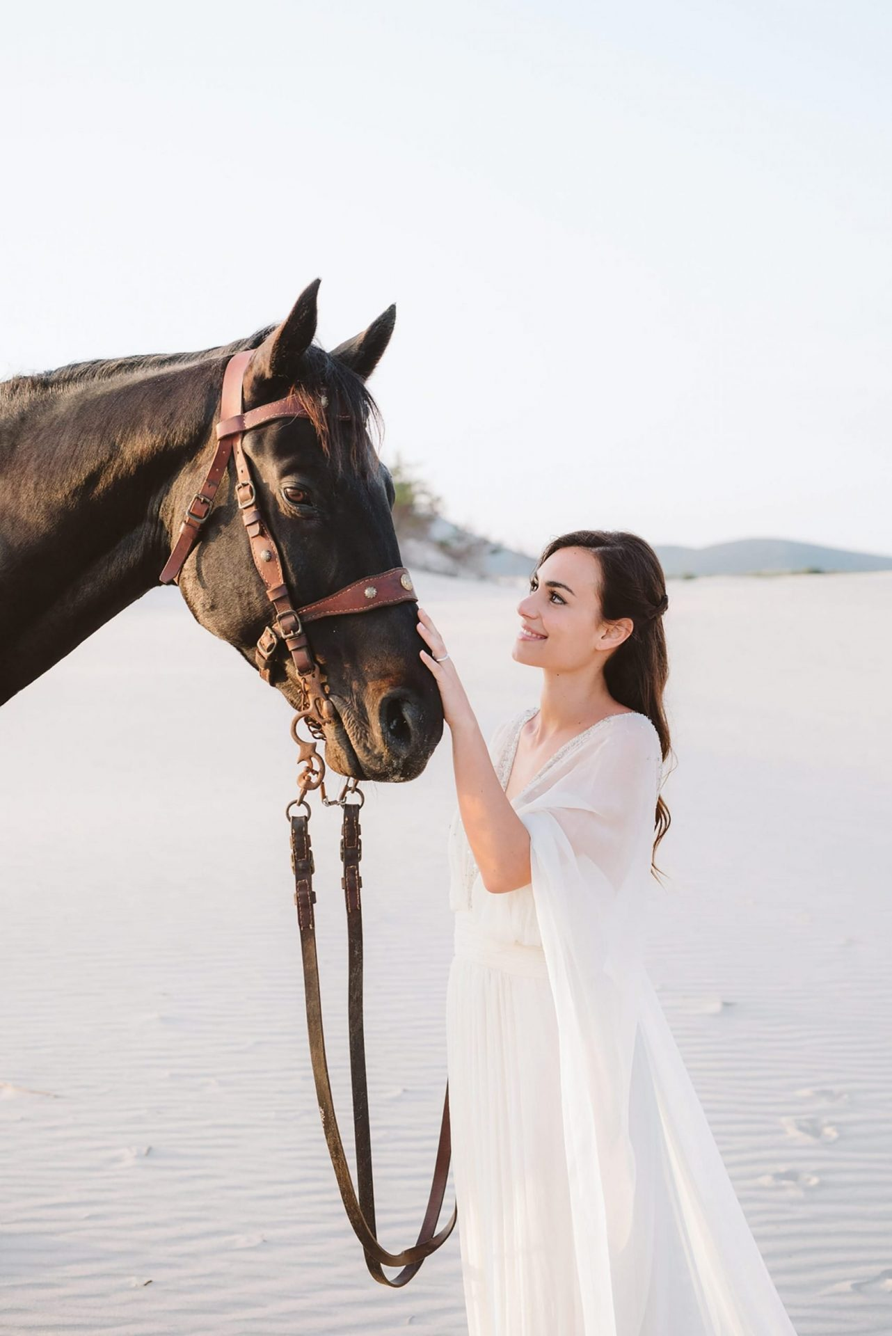 Elopement in Sardinia, the bride with horse