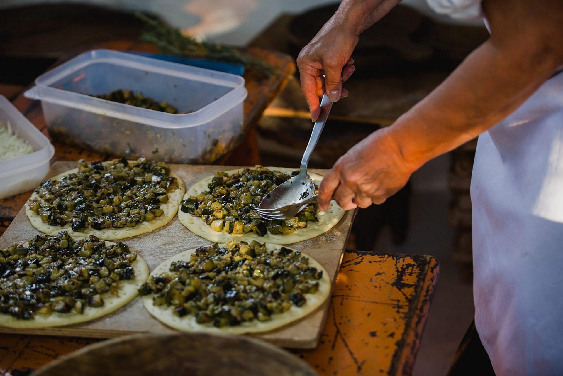 Su Gologone wedding, traditional Sardinia show cooking