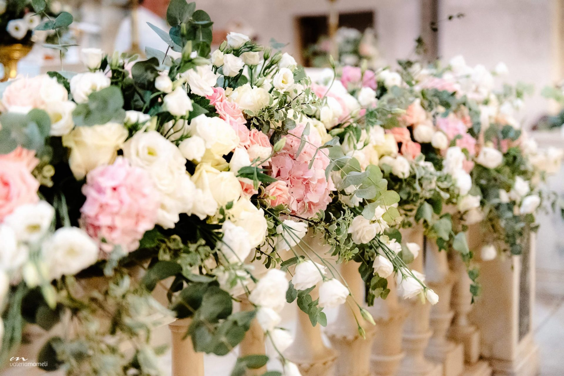 Francesca and Francesco, pastel tones flower arrangements