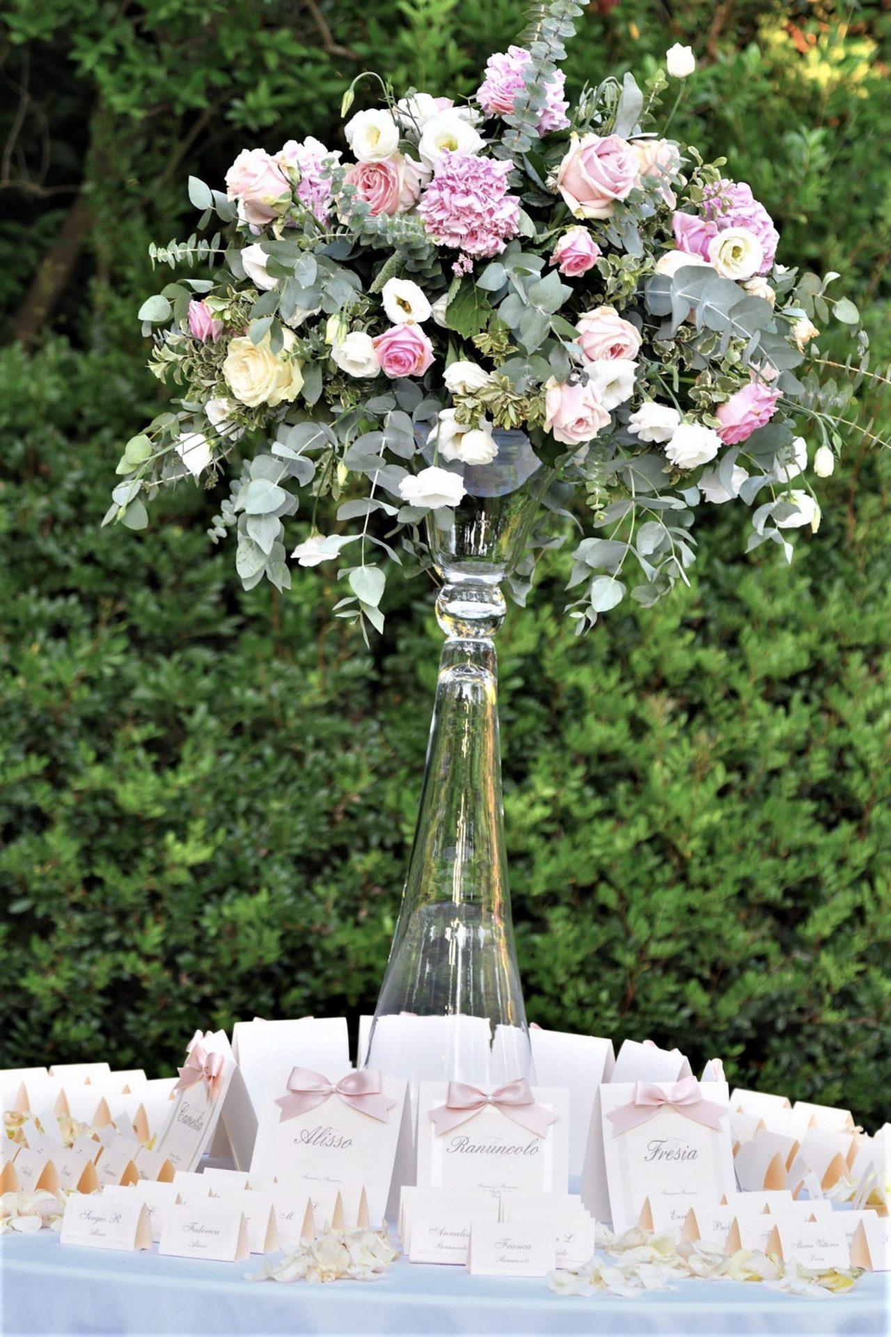 Francesca and Francesco, pastel tones flower arrangement