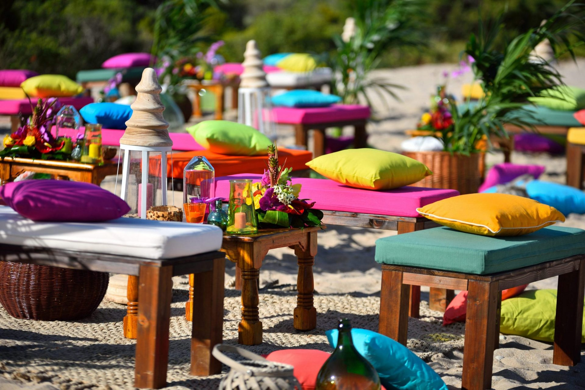 Tropical party in Porto Cervo, lounge areas