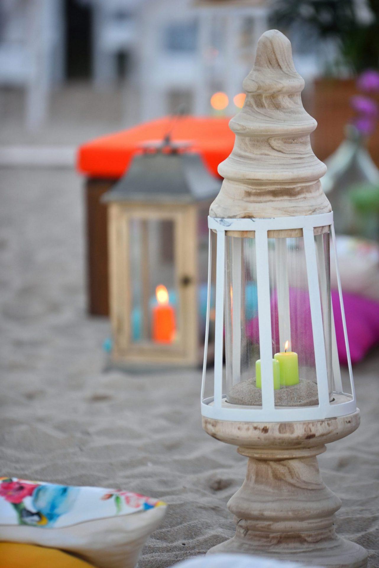 Tropical party in Porto Cervo, wooden lantern