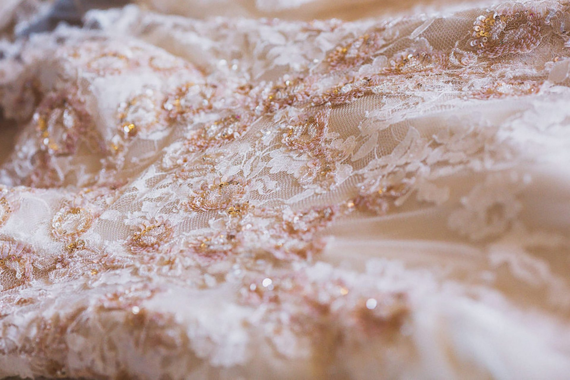 Marianna and Matteo, wedding dress detail