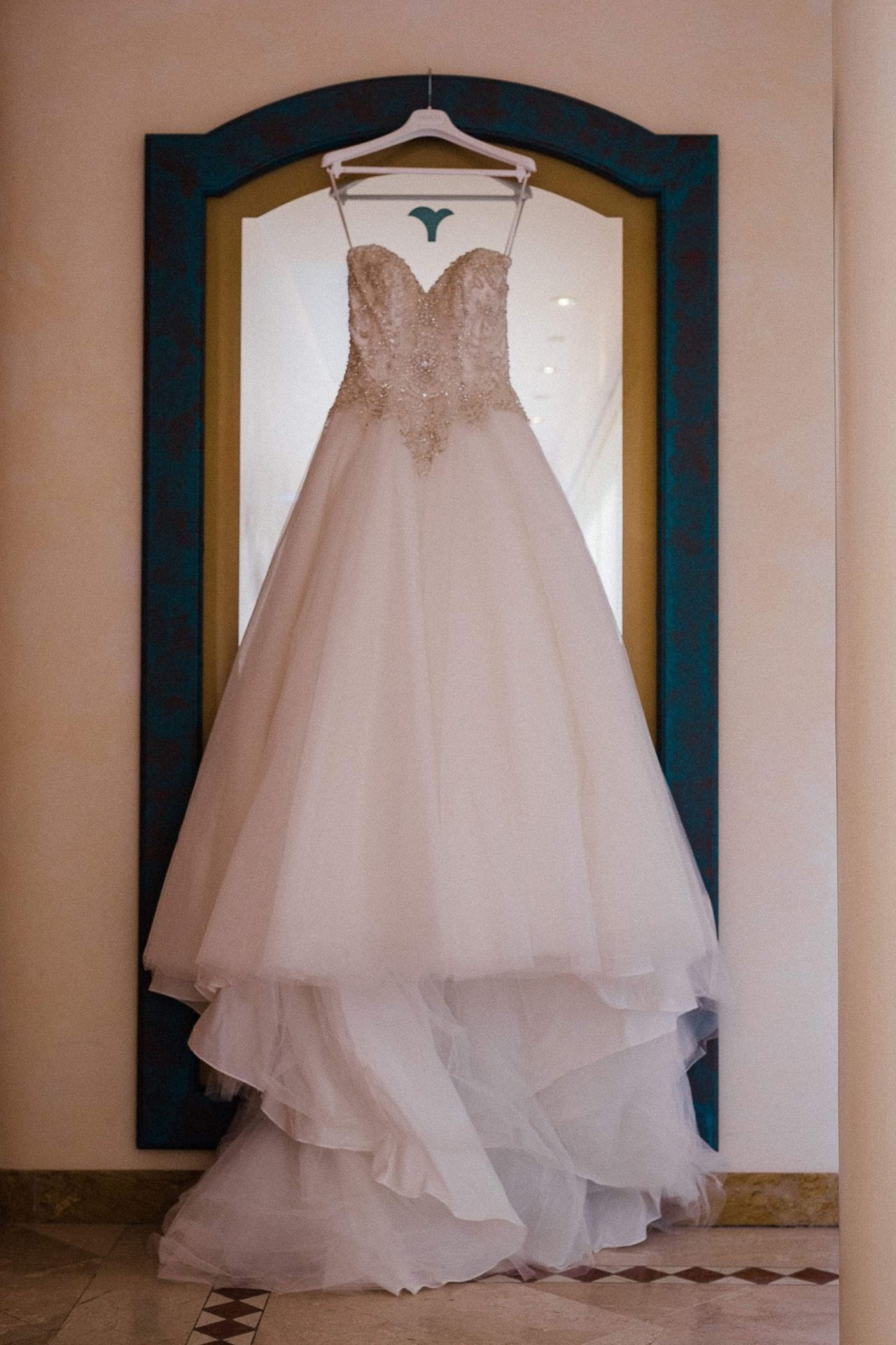 Talisa and Yassin, wedding dress